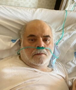 محمدهادی قمیشی از بازیگران ایرانی مبتلا به کرونا روی تخت بیمارستان