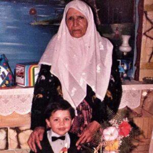 محسن افشانی و مادربزرگش