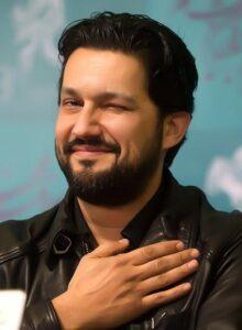حامد بهداد با کت چرم در جشنواره فیلم فجر