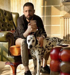 محسن افشانی و سگ خالدارش
