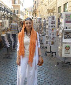 تیپ مریم کاویانی در خارج از کشور